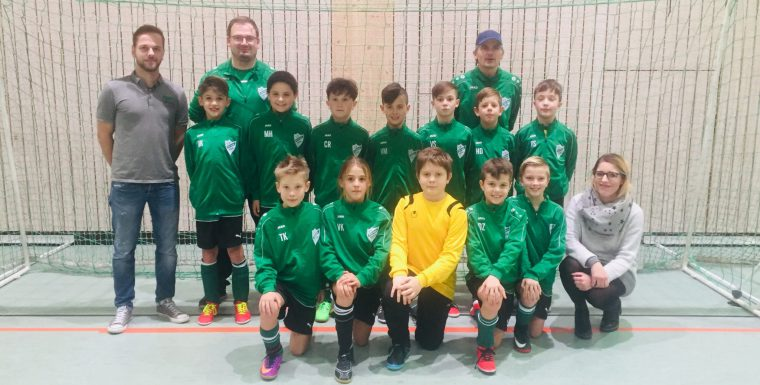 Neue Jacken und Trikots für SV Kürnach Jugend